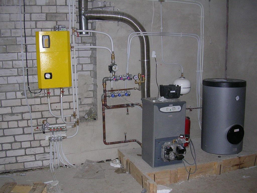 Газовая котельная, оборудованная в отдельном подвальном помещении