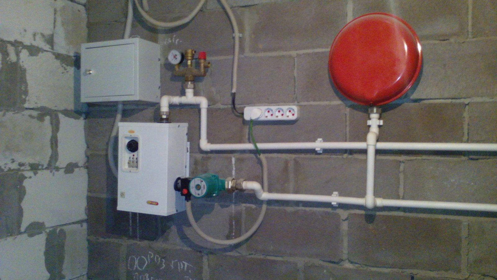Критерии выбора электрического котла с насосом и расширительным баком